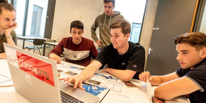 Hoe ervaren Limburgse jongeren influencermarketing via social media? Onderzoek 2020-2021